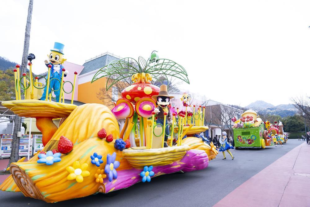 NEWレオマワールド_ファンタスティックパレードの様子